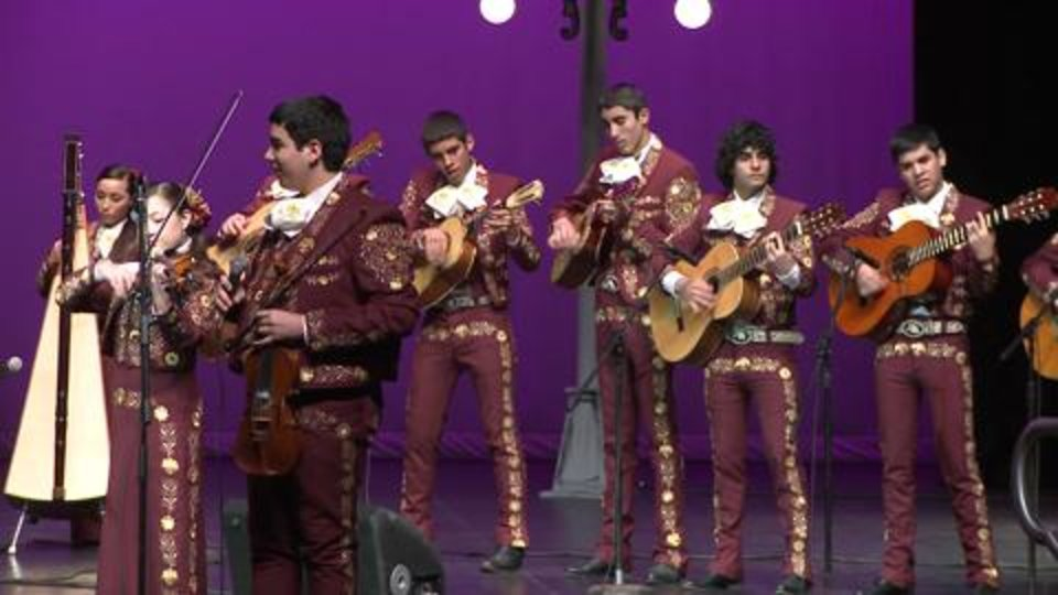 Extra: Mariachi High Full Song Performance